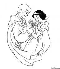 Раскраска Принц подарил цветы Белоснежке