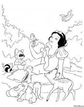 Раскраска Белоснежка поёт в лесу